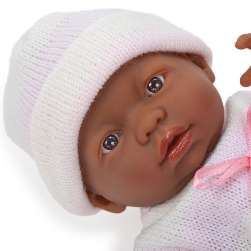 Malutka lalka murzynek, dziewczynka