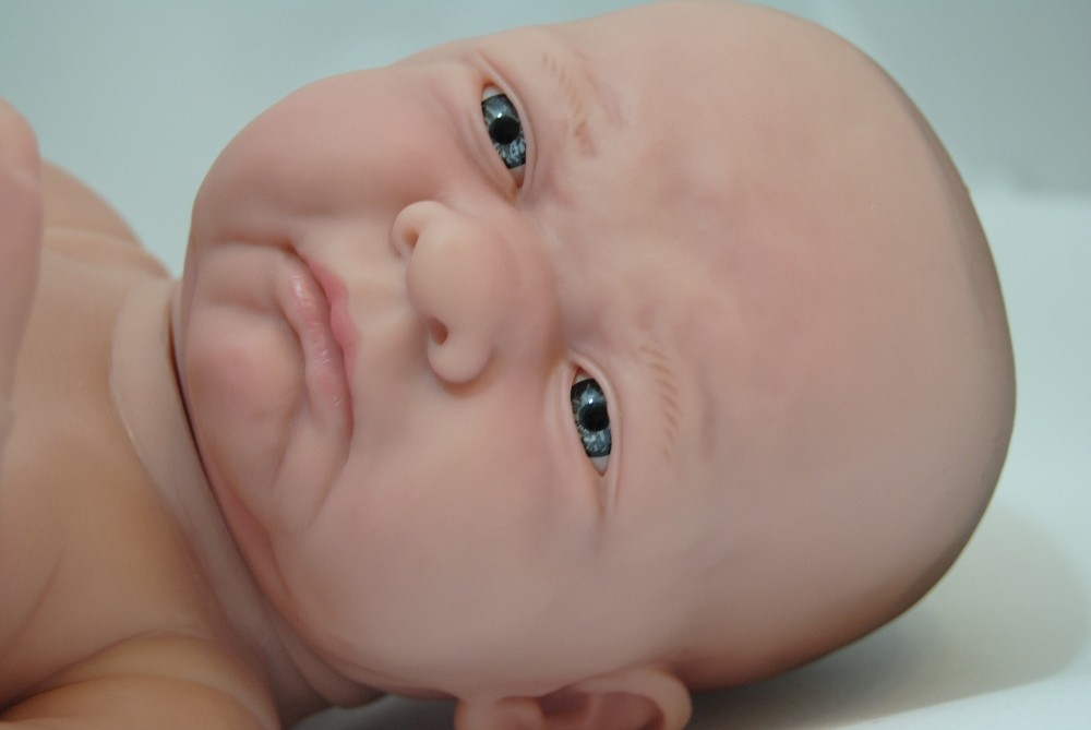 Lalka bobas - bardzo realistyczna - grymas na buzi